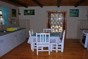 Coachhouse Cottage weekend getaway image 4